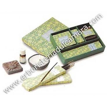 Confezione Regalo Sandalo e Vetiver (5 prodotti) Dhanvantari - Incensi
